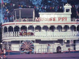 View Mississippi Showboat Photo Archive
